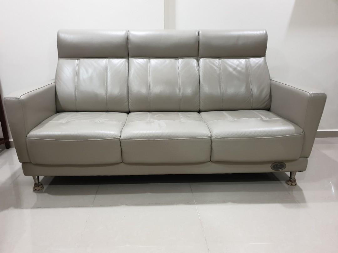 3-4 seater leather sofa