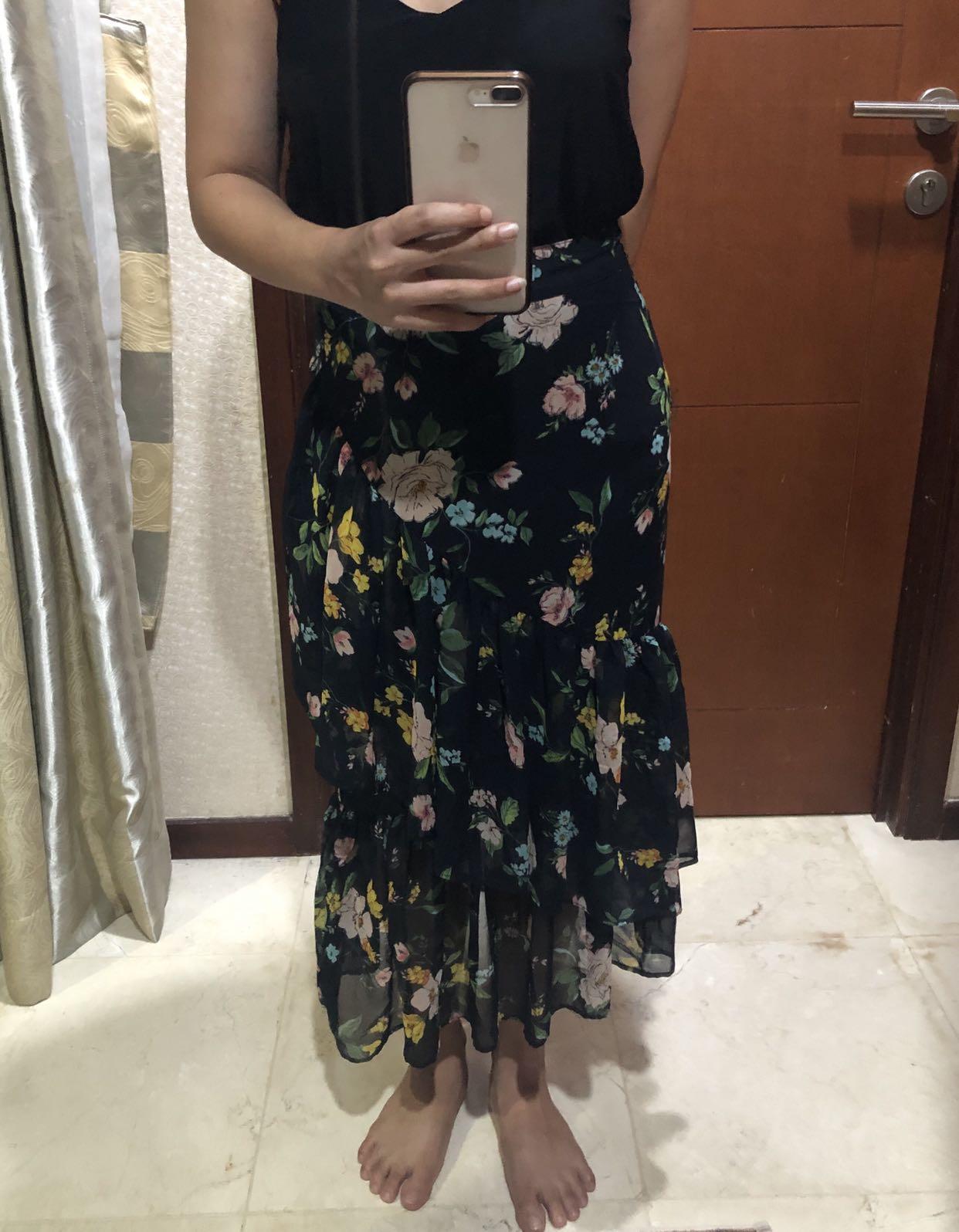 Berskha Skirt / rok panjang
