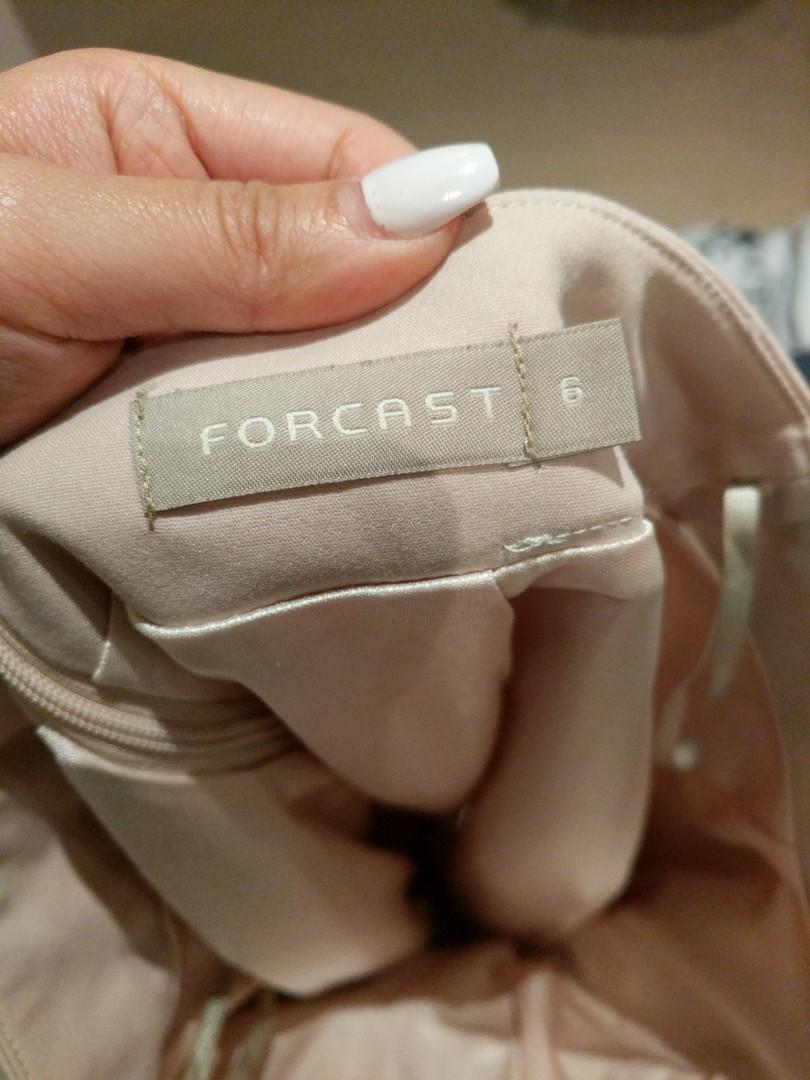 FORCAST size 6 nude skirt