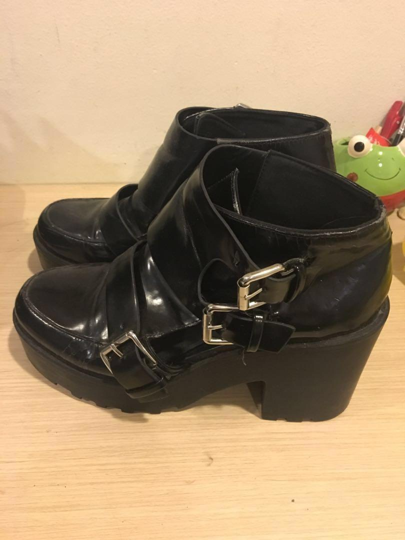 (FREE!!) H&M Black Cut-out Heel Boots