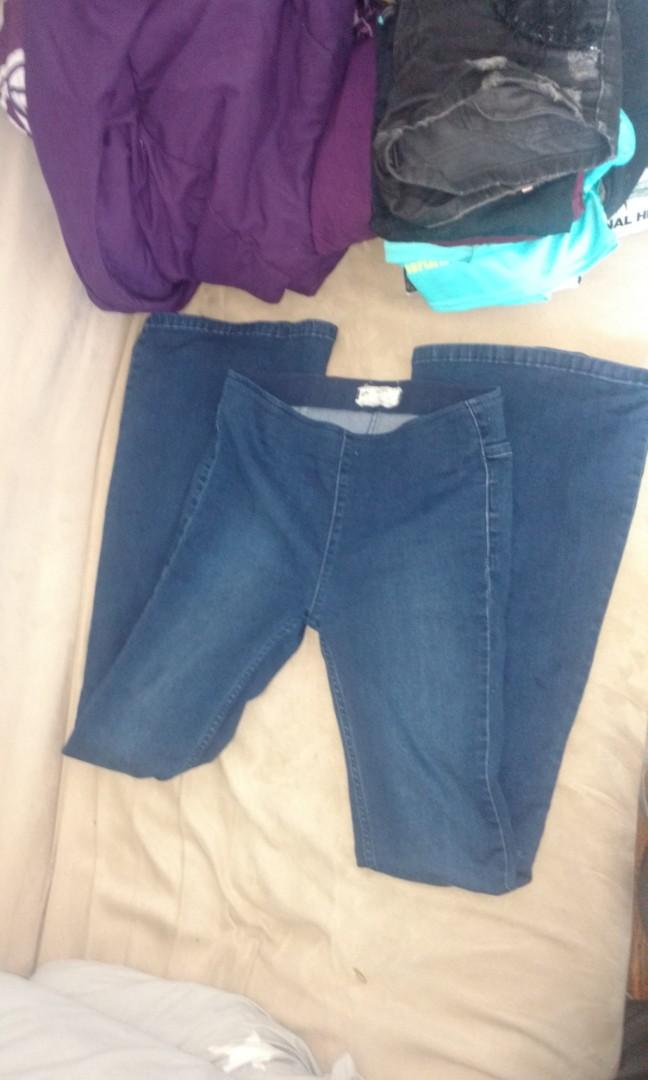 Free People high-waisted Bell Bottom Jeans #SwapCA
