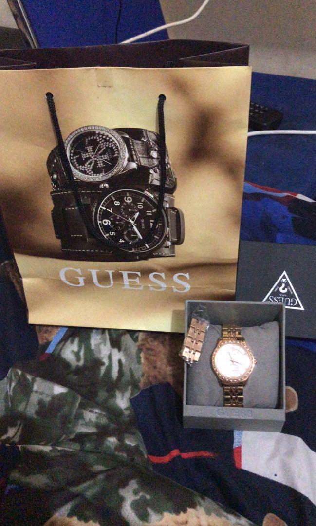 Jam tangan guest