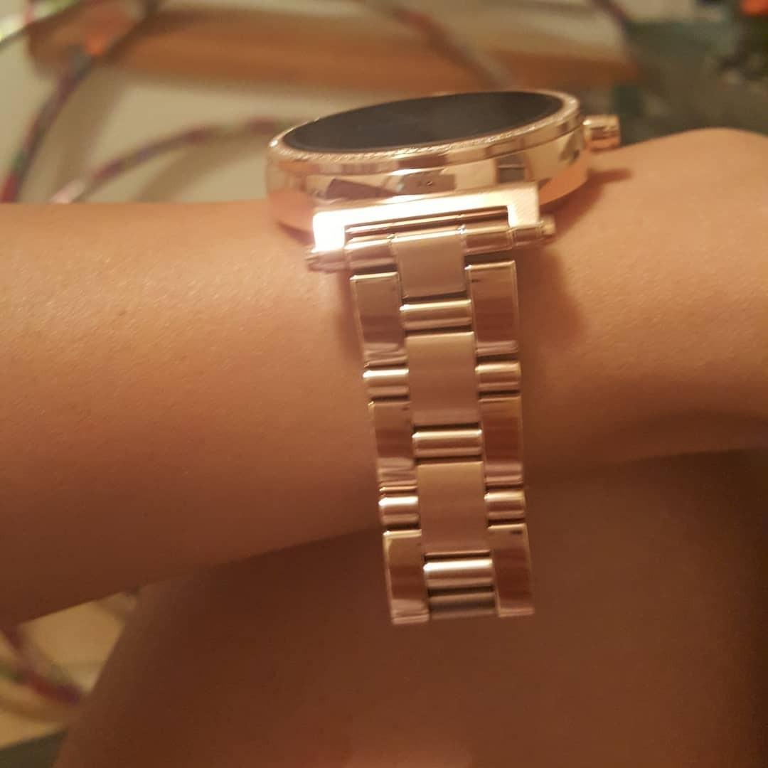 Michael Kors Sofie Rosegold Plated Access Smartwatch#MKT5041size 4.2CM
