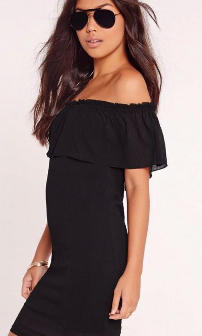 Off the shoulder dress XS