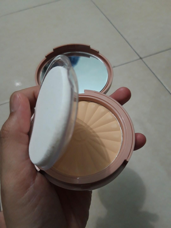 o.two.o powder poudre compacte