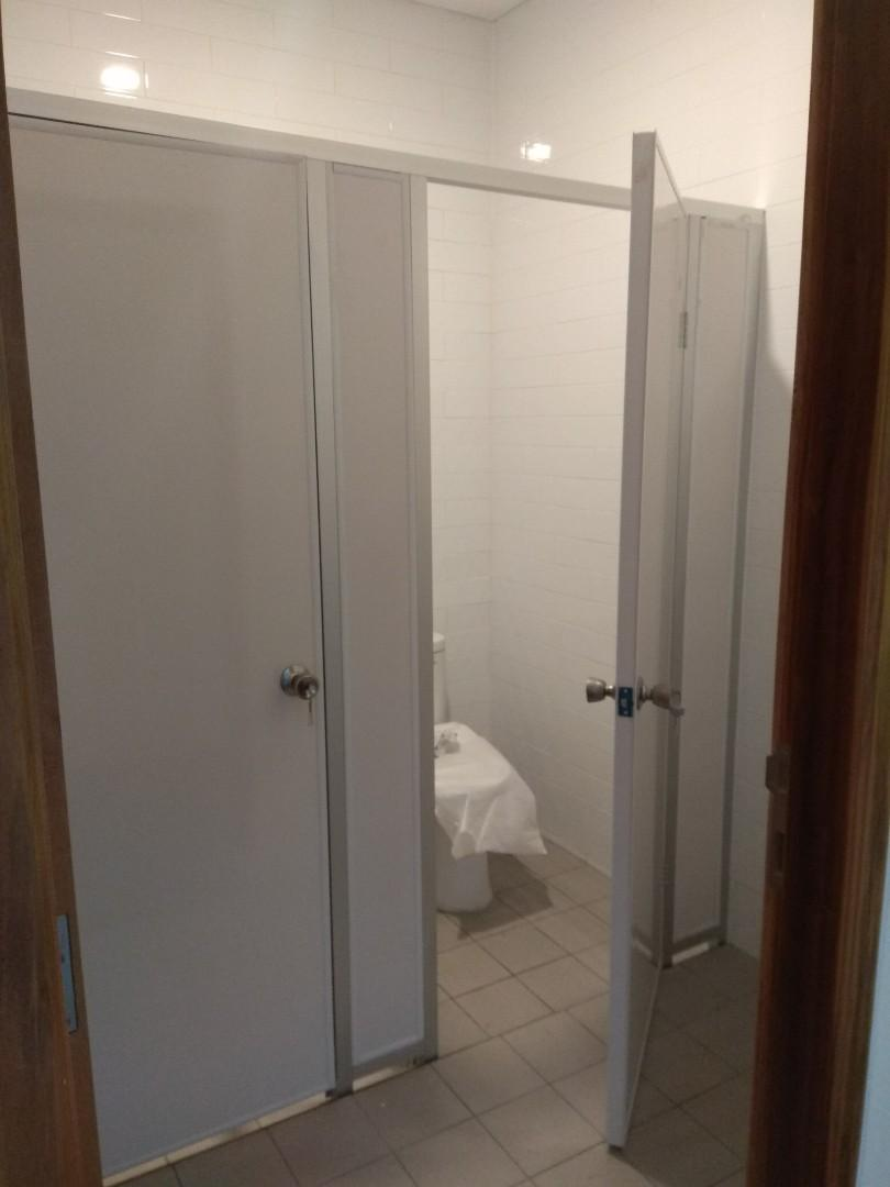 Partisi toilet pvc