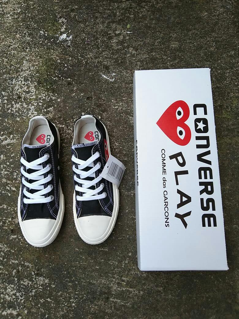 Sepatu Converse CDG Low