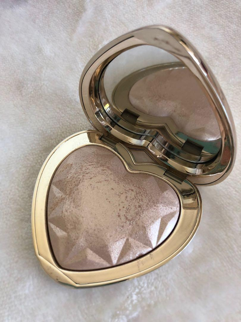 Too Faced Love Light Prismatic Highlighter Blinded by the Light