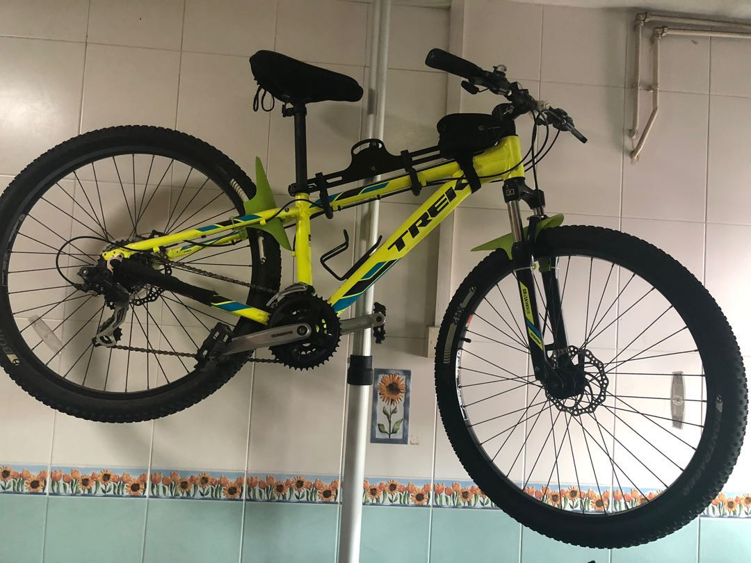 835ef3005df Trek Marlin 5, Bicycles & PMDs, Bicycles, Mountain Bikes on Carousell