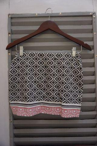 Zara Aztec mini skirt, preloved size M