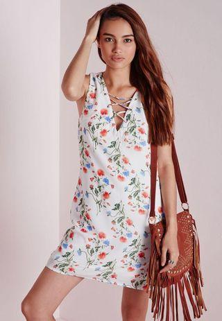 🚚 MISSGUIDED Lace-up Shift Dress (White Floral)