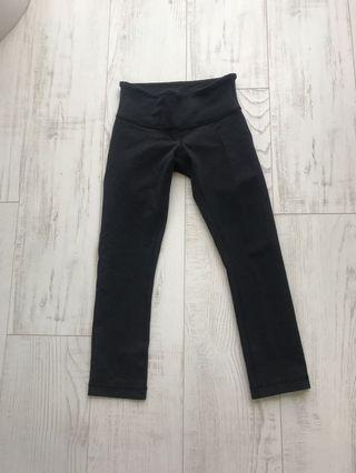 Lululemon 3/4 Length Leggings (Size 2)