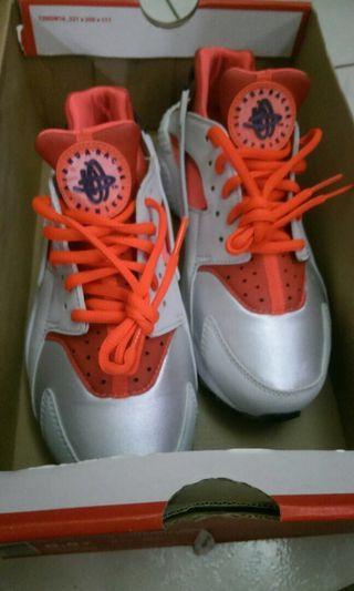 🚚 保證正品Nike武士鞋