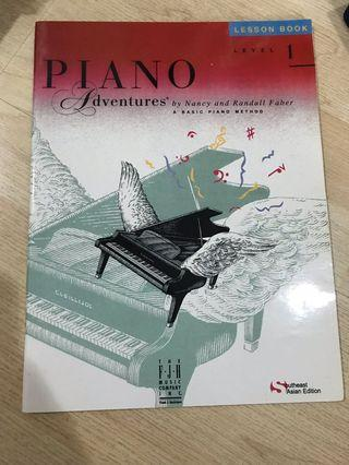 Buku piano adventures level 1