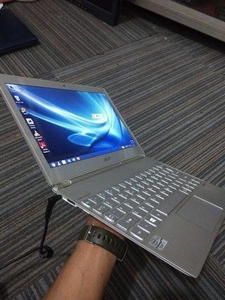 Acer Aspire S7 core i5 gen 3 Touchscreen