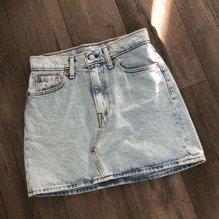 BRAND NEW WITH TAGS - LEVI'S DENIM SKIRT