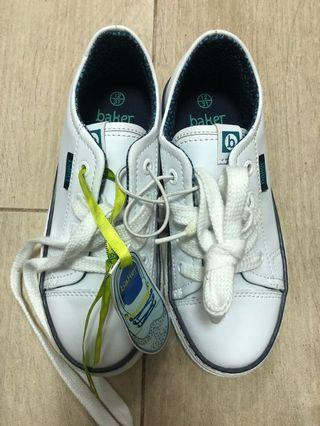 Kids shoes (new)
