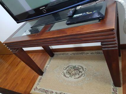 🚚 Solid wood display table for sale