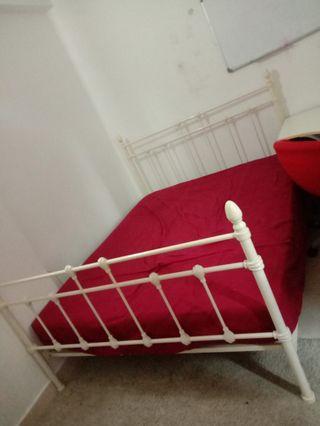 Safe bed mattress queen