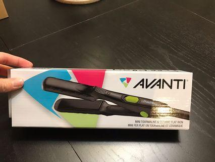 New Avanti Travel Size Hair Flat Iron Straightener