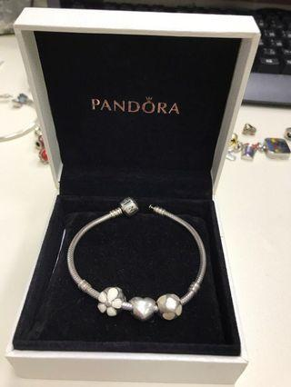 Pandora Bracelet (love collection)