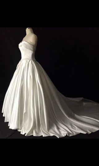 全新 緞面婚紗