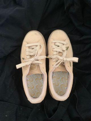 🚚 Puma厚底鞋