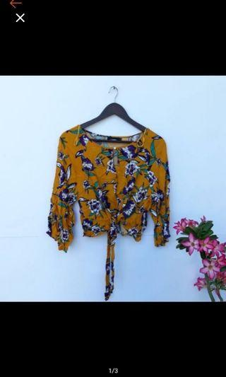 Blouse yellow miss valley