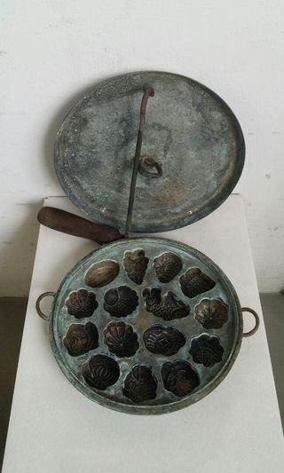 Vintage Brass Kuch Bahulu Mould with Did and Tick 早期黄铜鸡旦羔制造模和提勾