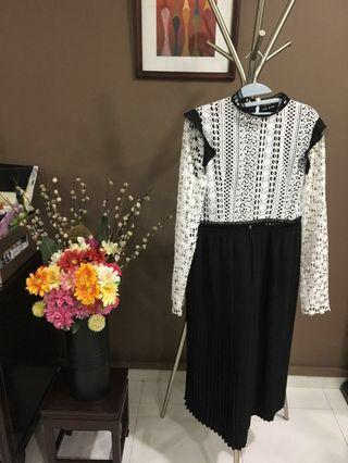 🚚 White and Black Lace Dress