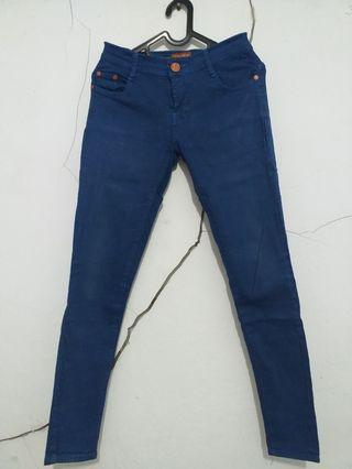 "#mauthr Celana Jeans ""Hermes"" Biru"