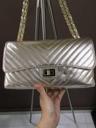 🚚 Leather Gold Foiled Chevron Patterned Bag