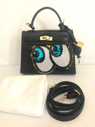 Like new playnomore shy girl bag 100% authentic