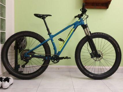 2019 Polygon Entiat 27.5+ Hardtail (upgraded)