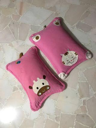 Beansprout Pillow (2 pieces)