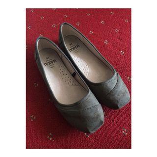 Flatshoes by Wakai