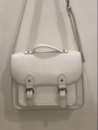 BERSHKA white sling bag #mauthr
