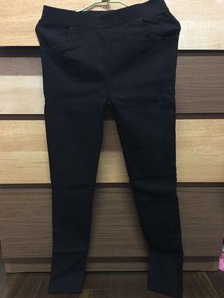 🚚 黑色鉛筆褲