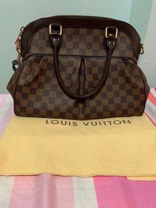 💯Authentic Louis Vuitton Bag Damier Trevi Pm