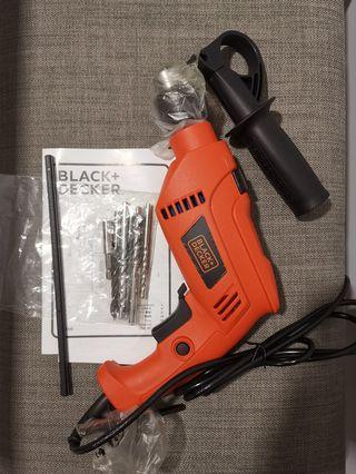 🚚 Black and Decker hammer drill HD650BxH
