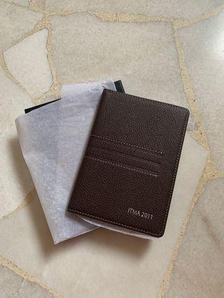 🚚 Passport Holder in Brown Leather