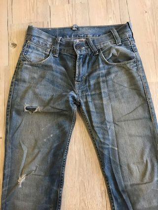 🚚 Levis 504 牛仔褲W30L34