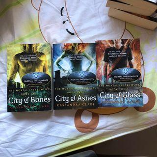 🚚 (clearance/wts/selling) The Mortal Instruments Series
