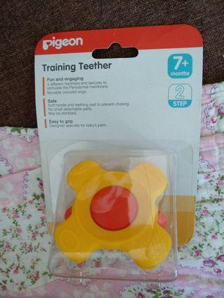 🚚 Pigeon Training Teether Step 2  (7M+)