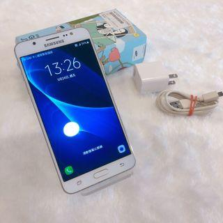 Samsung J710 with charger no headphones Kaohsiung meet