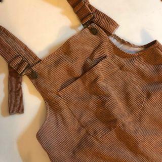 🚚 微針織復古純色素面吊帶裙☕️ (穿過一次)