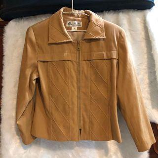 棕色西裝外套