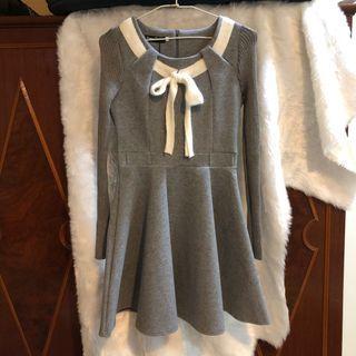 【全新】冬季灰色修身洋裝