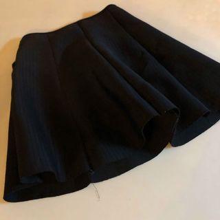 🚚 純色素面黑太空棉百摺裙☕️ (穿過一次)