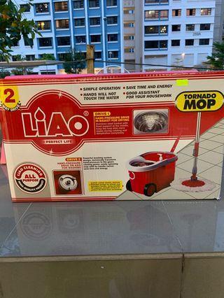 Liao Tornado Mop (with handle)